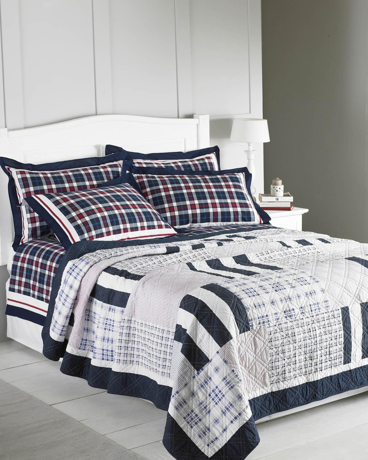Navy Massachusetts Quilted Bedspread
