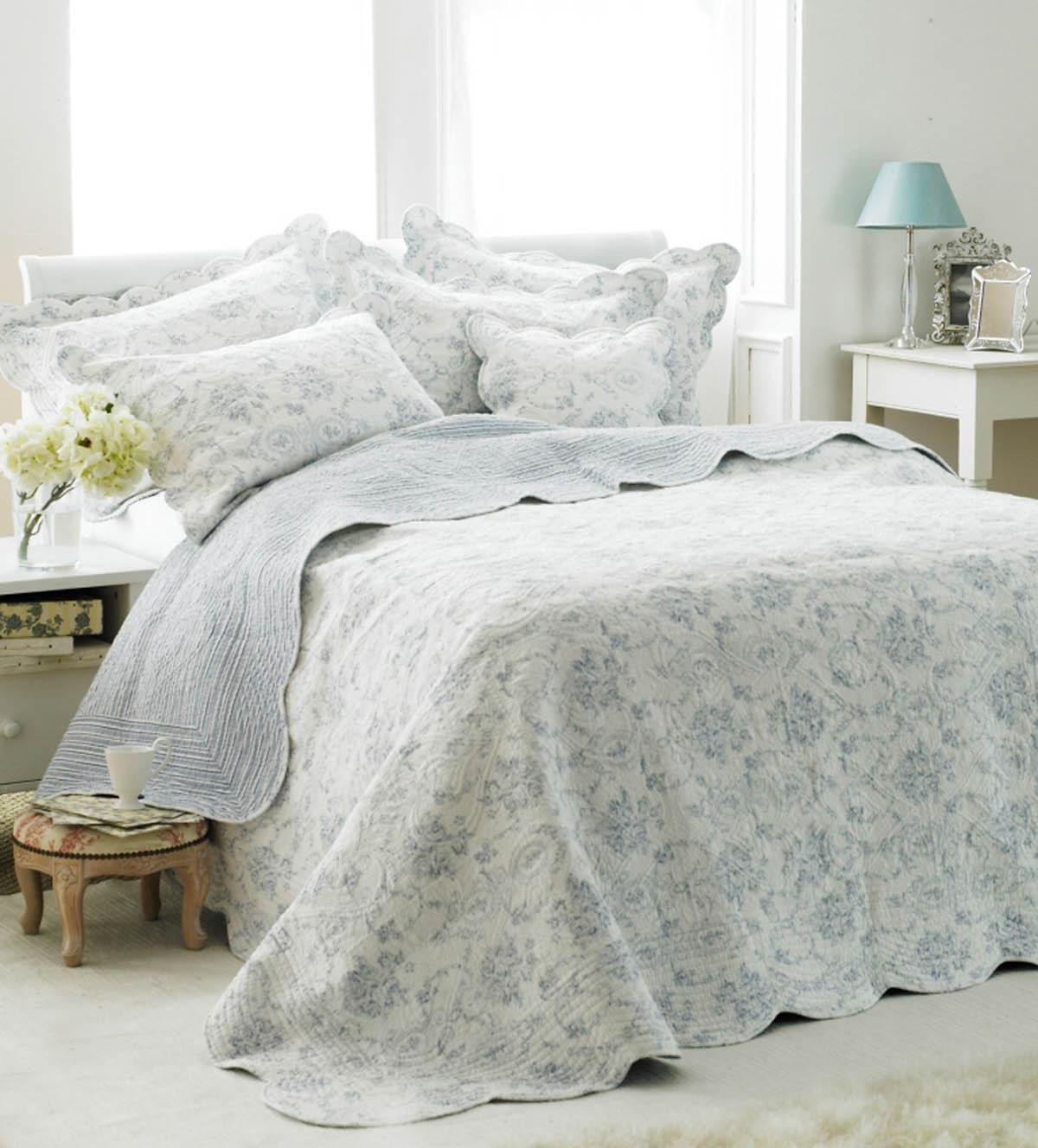 Blue Etoille Quilted Bedspread