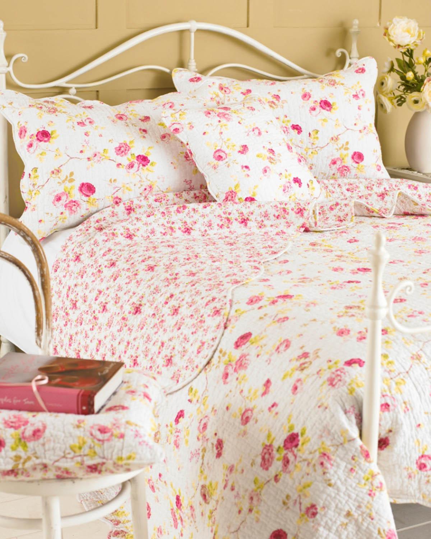 White Honeydew Lane Quilted Bedspread