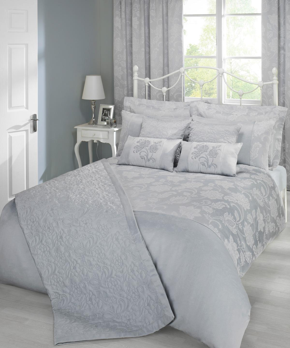 Silver Portofino Luxury Bedding by Julian Charles