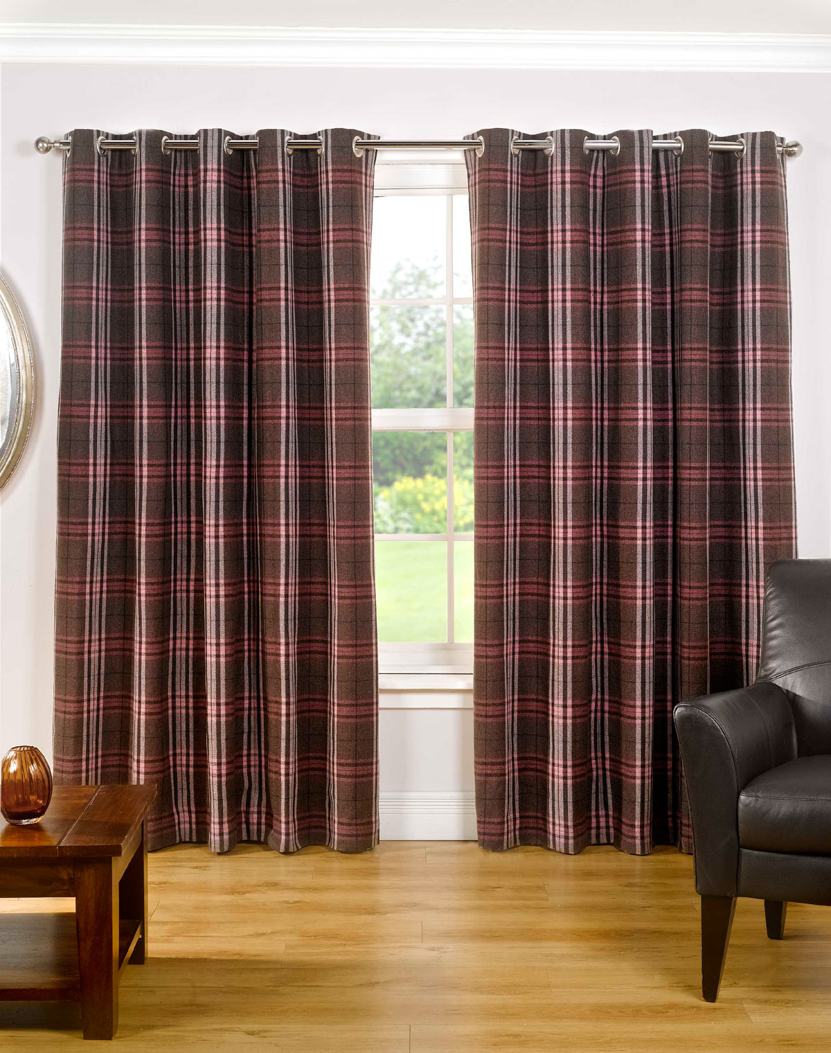 Mulberry Chequers Ready Made Lined Eyelet Curtains