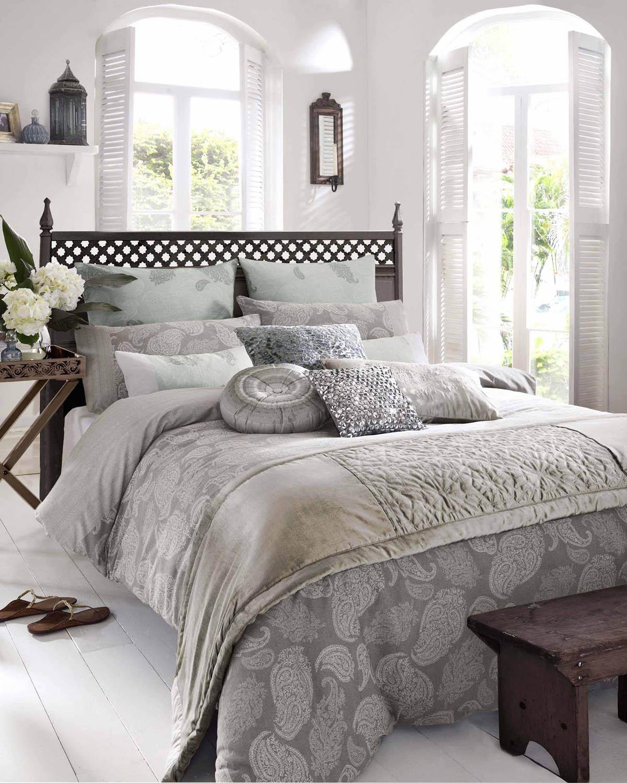 elizabeth hurley zanzi luxury bedding