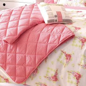 Kirstie Allsopp Gingham Roses Quilted Bedspread