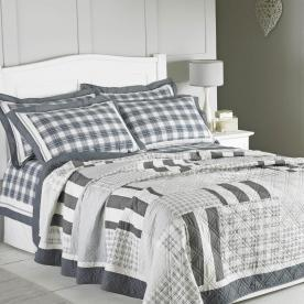 Massachusetts Quilted Bedspread