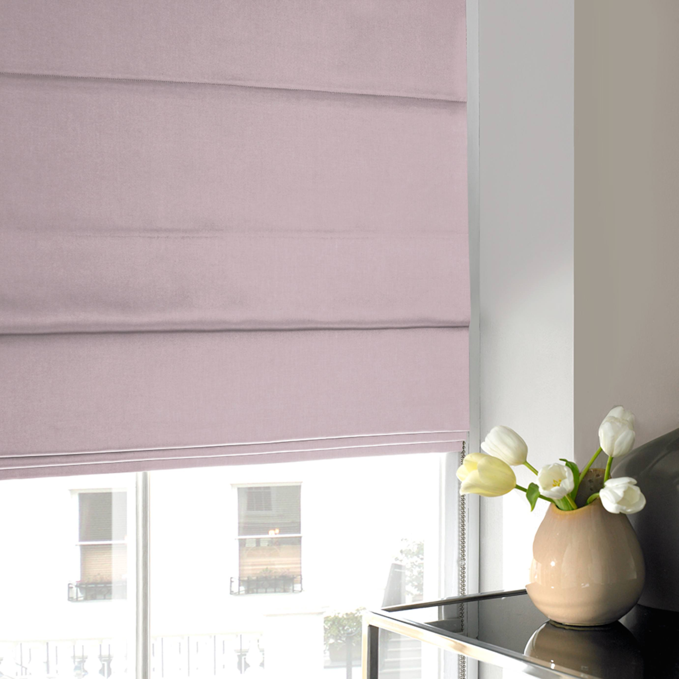 Tyrone Roman Blind