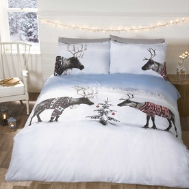 Reindeer Jumpers Bedding Set